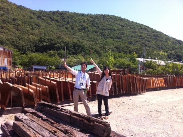 材木市場へ