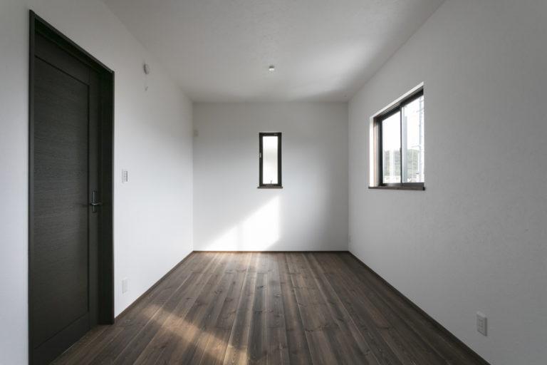 #32 gray house