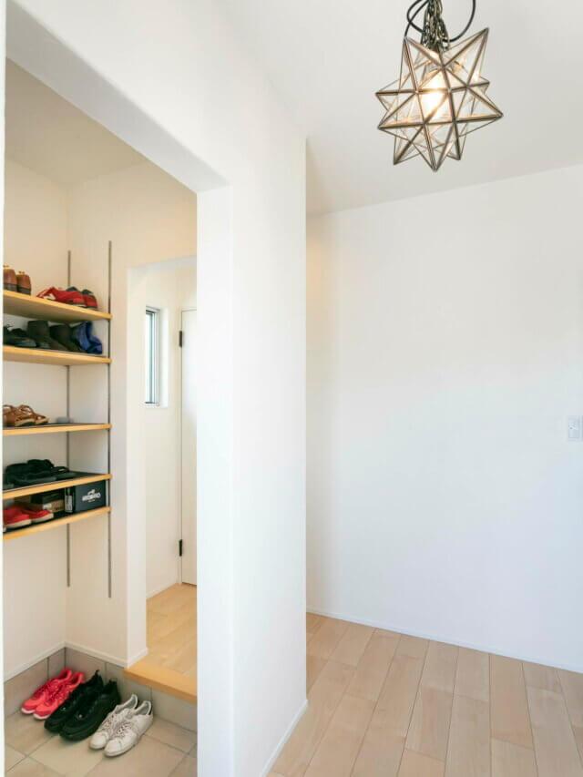 #87 白を基調にしたシンプルテイストのお家