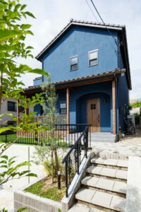 #80 blue cafe & industrial house
