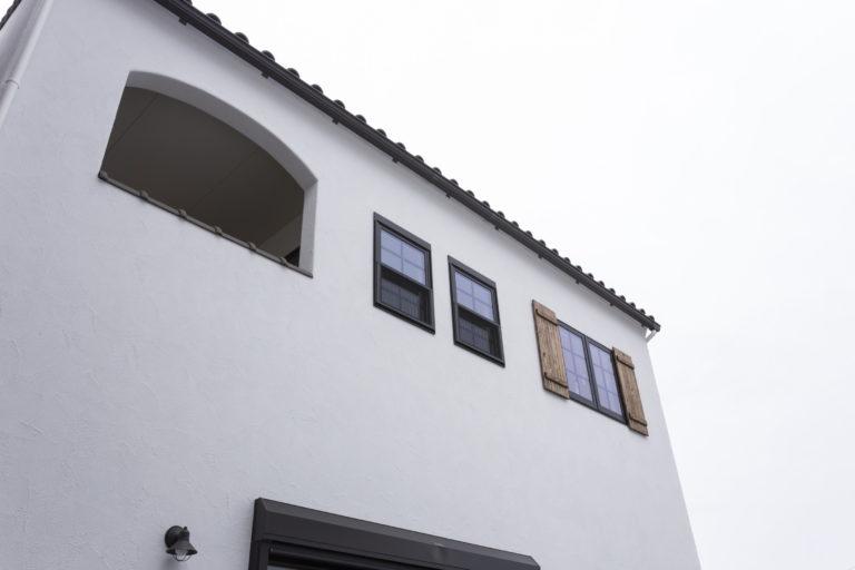 トタン屋根がオシャレ♪家事導線にもこだわったアンティークなお家