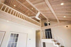 無垢床・漆喰壁・造作家具に囲まれて毎日カフェライクな二世帯住宅のお家